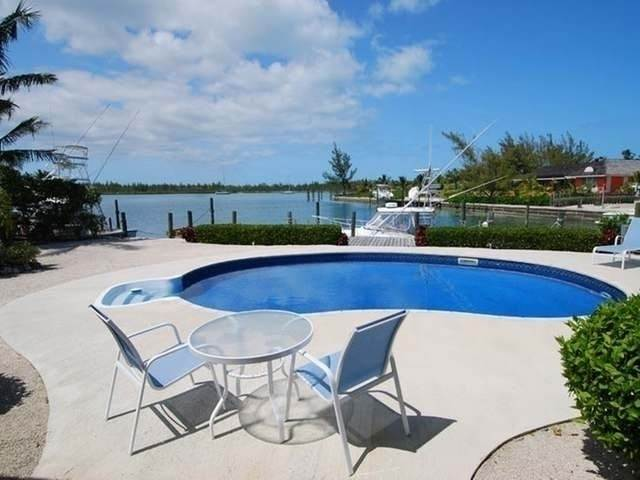 Single Family Homes por un Venta en Pisces-Treasure Cay Treasure Cay, Abaco, Bahamas