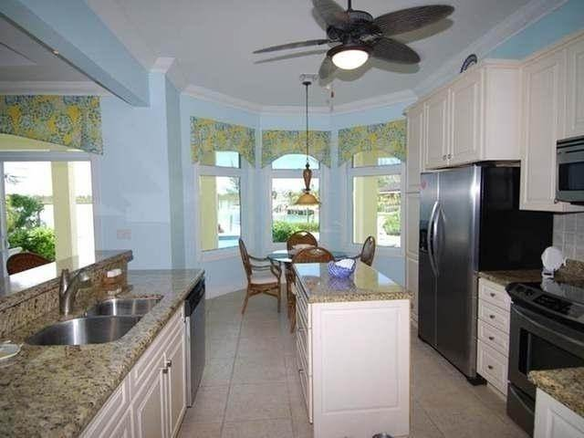 24. Single Family Homes por un Venta en Pisces-Treasure Cay Treasure Cay, Abaco, Bahamas