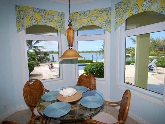 26. Single Family Homes por un Venta en Pisces-Treasure Cay Treasure Cay, Abaco, Bahamas