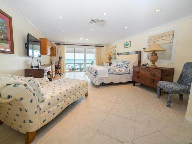 17. Single Family Homes for Sale at Cable Beach, Nassau And Paradise Island, Bahamas