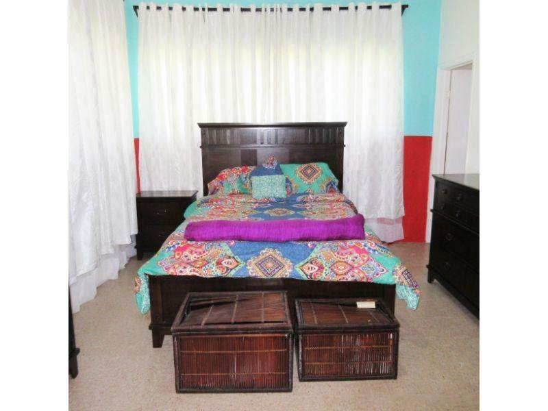 9. Single Family Homes for Rent at Village Road, Nassau And Paradise Island, Bahamas