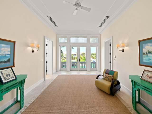 27. Single Family Homes for Sale at Conchrest Old Fort Bay, Nassau And Paradise Island, Bahamas