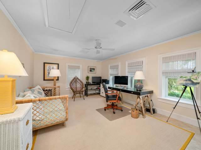 37. Single Family Homes for Sale at Conchrest Old Fort Bay, Nassau And Paradise Island, Bahamas