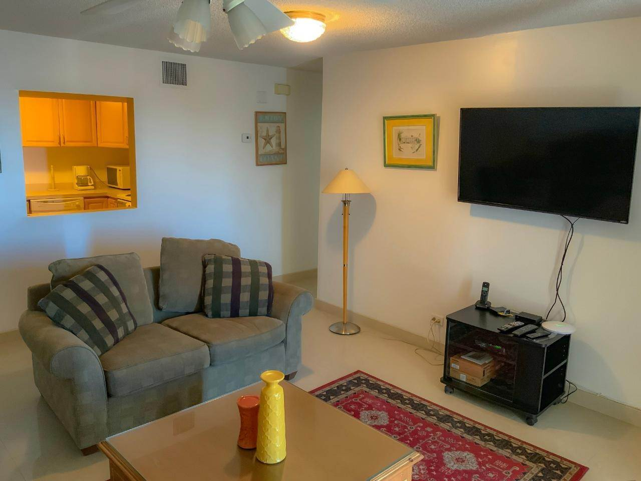 4. Co-op / Condo for Rent at East Bay Street, Nassau And Paradise Island, Bahamas
