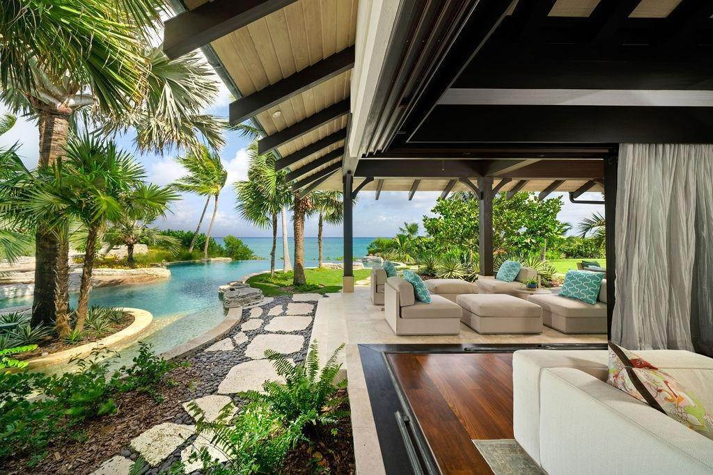 22. Single Family Homes for Sale at Beachfront Estate Ocean Club Estates, Paradise Island, Nassau And Paradise Island Bahamas