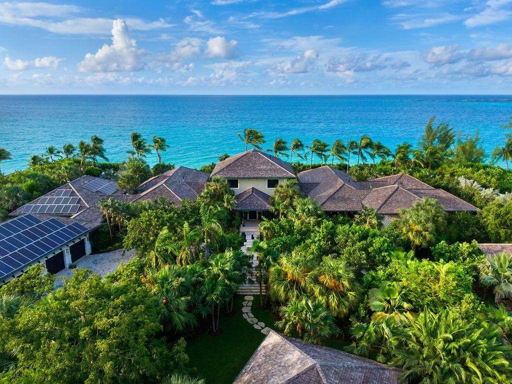 27. Single Family Homes for Sale at Beachfront Estate Ocean Club Estates, Paradise Island, Nassau And Paradise Island Bahamas