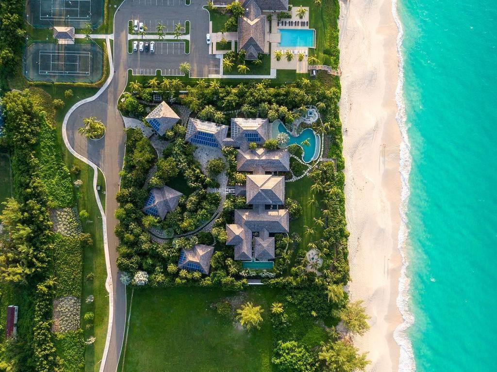 30. Single Family Homes for Sale at Beachfront Estate Ocean Club Estates, Paradise Island, Nassau And Paradise Island Bahamas