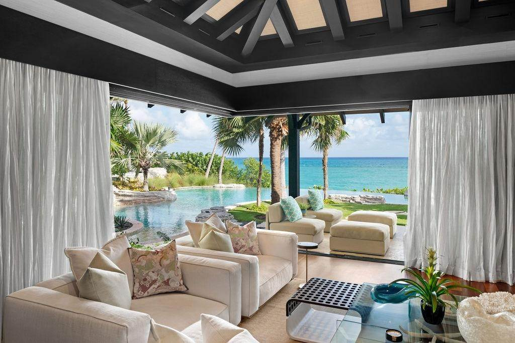 4. Single Family Homes for Sale at Beachfront Estate Ocean Club Estates, Paradise Island, Nassau And Paradise Island Bahamas