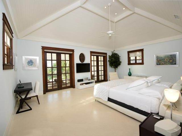 11. Single Family Homes for Sale at Old Fort Bay, Nassau And Paradise Island, Bahamas