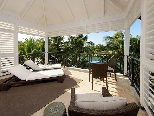 12. Single Family Homes for Sale at Old Fort Bay, Nassau And Paradise Island, Bahamas