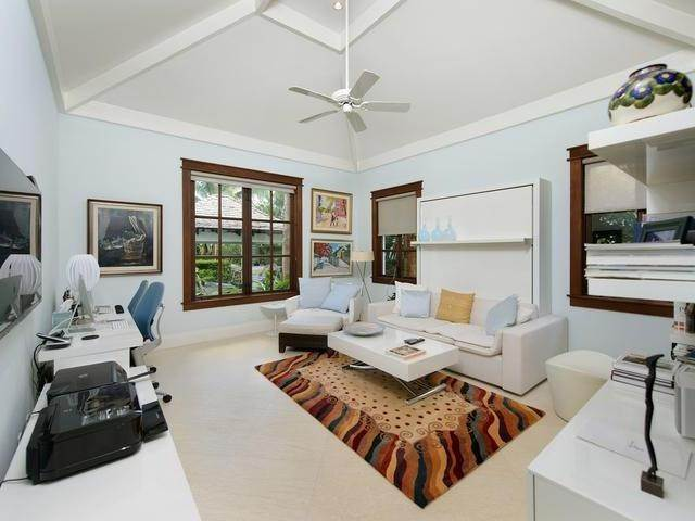 18. Single Family Homes for Sale at Old Fort Bay, Nassau And Paradise Island, Bahamas
