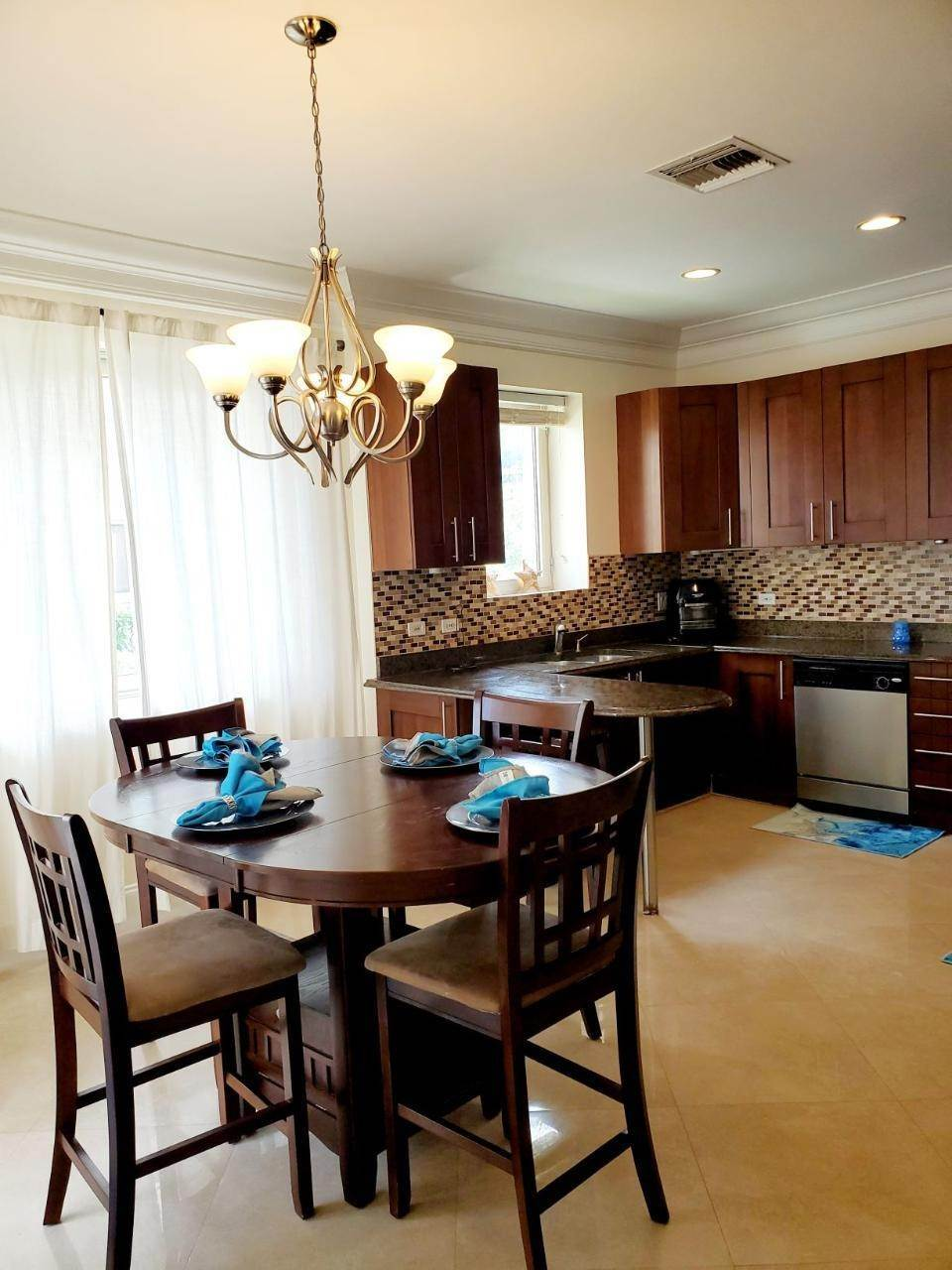 Co-op / Condo for Rent at Beachfront condo Love Beach, Nassau And Paradise Island, Bahamas