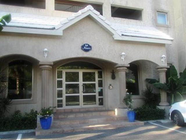 12. Co-op / Condo for Rent at Beachfront condo Love Beach, Nassau And Paradise Island, Bahamas