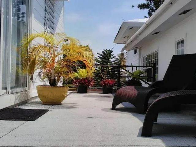 5. Single Family Homes for Sale at Lucaya, Freeport and Grand Bahama, Bahamas