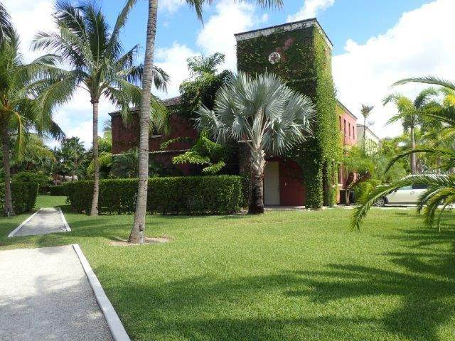 Co-op / Condo for Rent at Turnberry Townhome Charlotteville, Nassau And Paradise Island, Bahamas