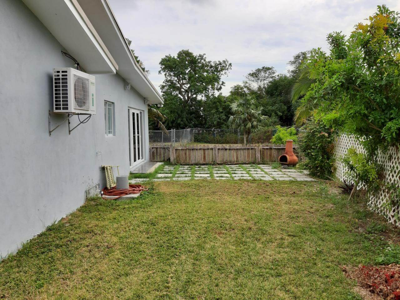 5. Single Family Homes for Rent at Freeport, Freeport and Grand Bahama, Bahamas