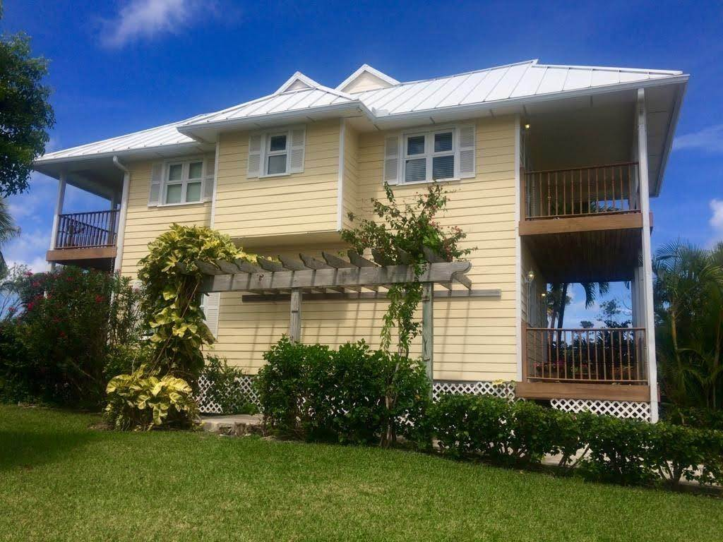 2. Single Family Homes por un Venta en Fortune Beach, Gran Bahama Freeport, Bahamas