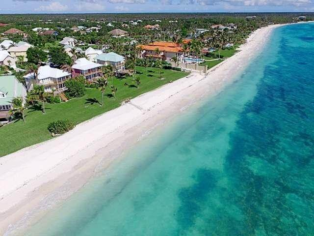 21. Single Family Homes por un Venta en Fortune Beach, Gran Bahama Freeport, Bahamas