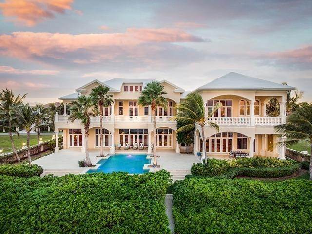 Single Family Homes por un Venta en Ocean Club Estates, Paradise Island, Nueva Providencia / Nassau Bahamas