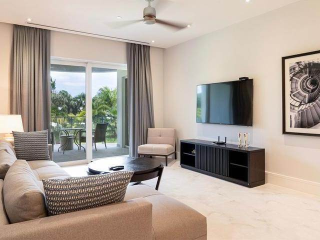 4. Co-op / Condominio por un Venta en One Cable Beach 107 One Cable Beach, Cable Beach, Nueva Providencia / Nassau Bahamas