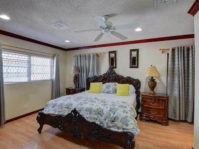 24. Single Family Homes for Rent at Mount Vernon, Eastern Road, Nassau And Paradise Island Bahamas