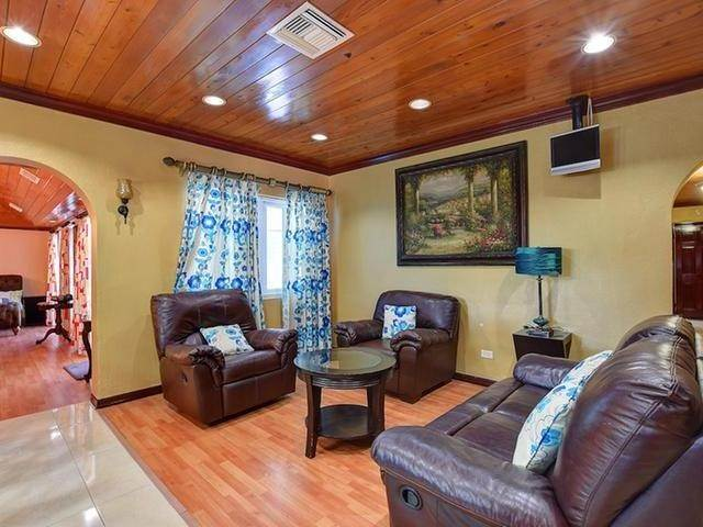 27. Single Family Homes for Rent at Mount Vernon, Eastern Road, Nassau And Paradise Island Bahamas