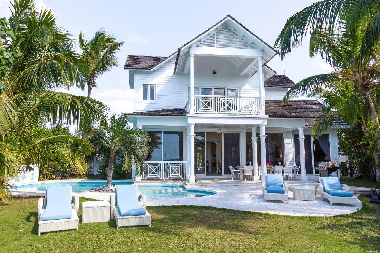 8. Single Family Homes for Sale at Harbour Lights Villa Harbour Island, Eleuthera, Bahamas