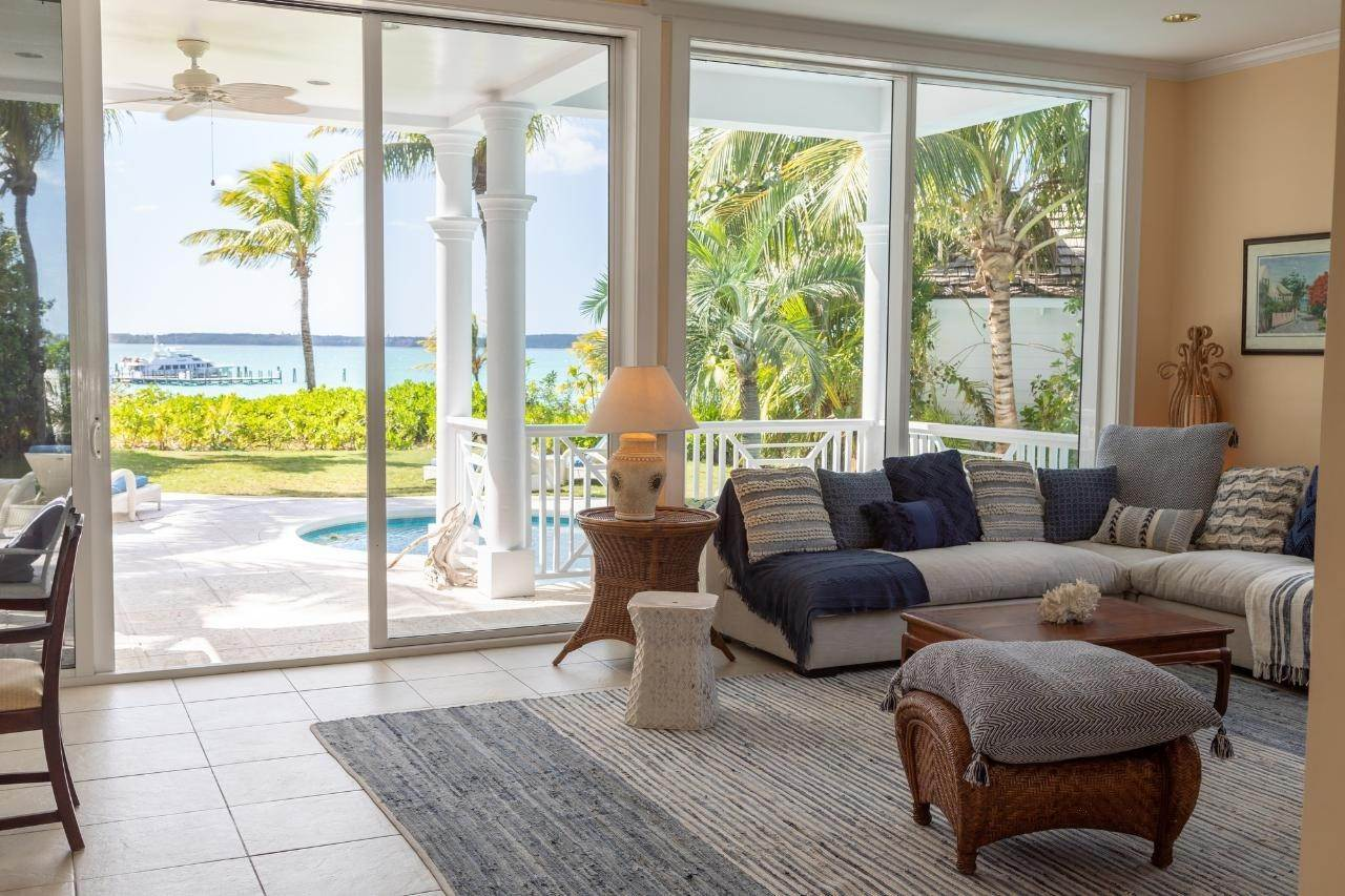 5. Single Family Homes for Sale at Sunset Ridge Villa Harbour Island, Eleuthera, Bahamas