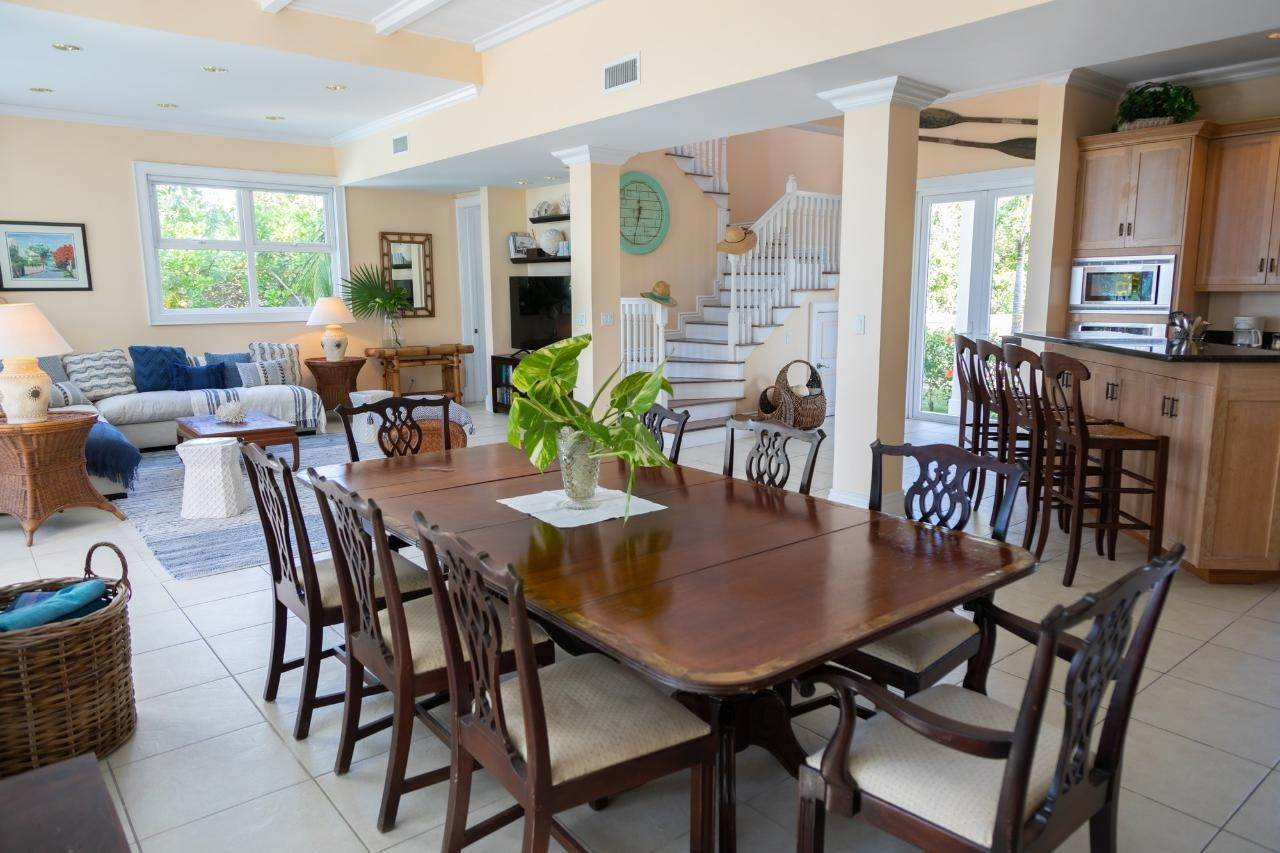 6. Single Family Homes for Sale at Sunset Ridge Villa Harbour Island, Eleuthera, Bahamas
