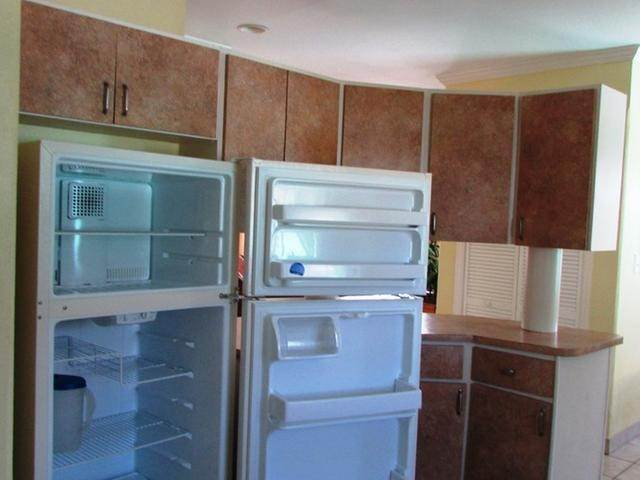 13. Multi Family for Rent at Spacious Unit West Bay Street, Nassau And Paradise Island, Bahamas