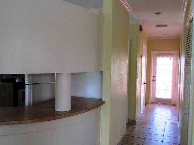 15. Multi Family for Rent at Spacious Unit West Bay Street, Nassau And Paradise Island, Bahamas