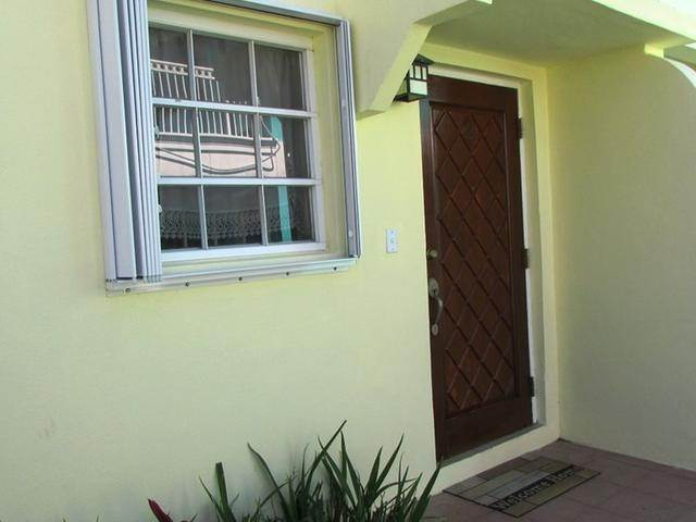 9. Multi Family for Rent at Spacious Unit West Bay Street, Nassau And Paradise Island, Bahamas