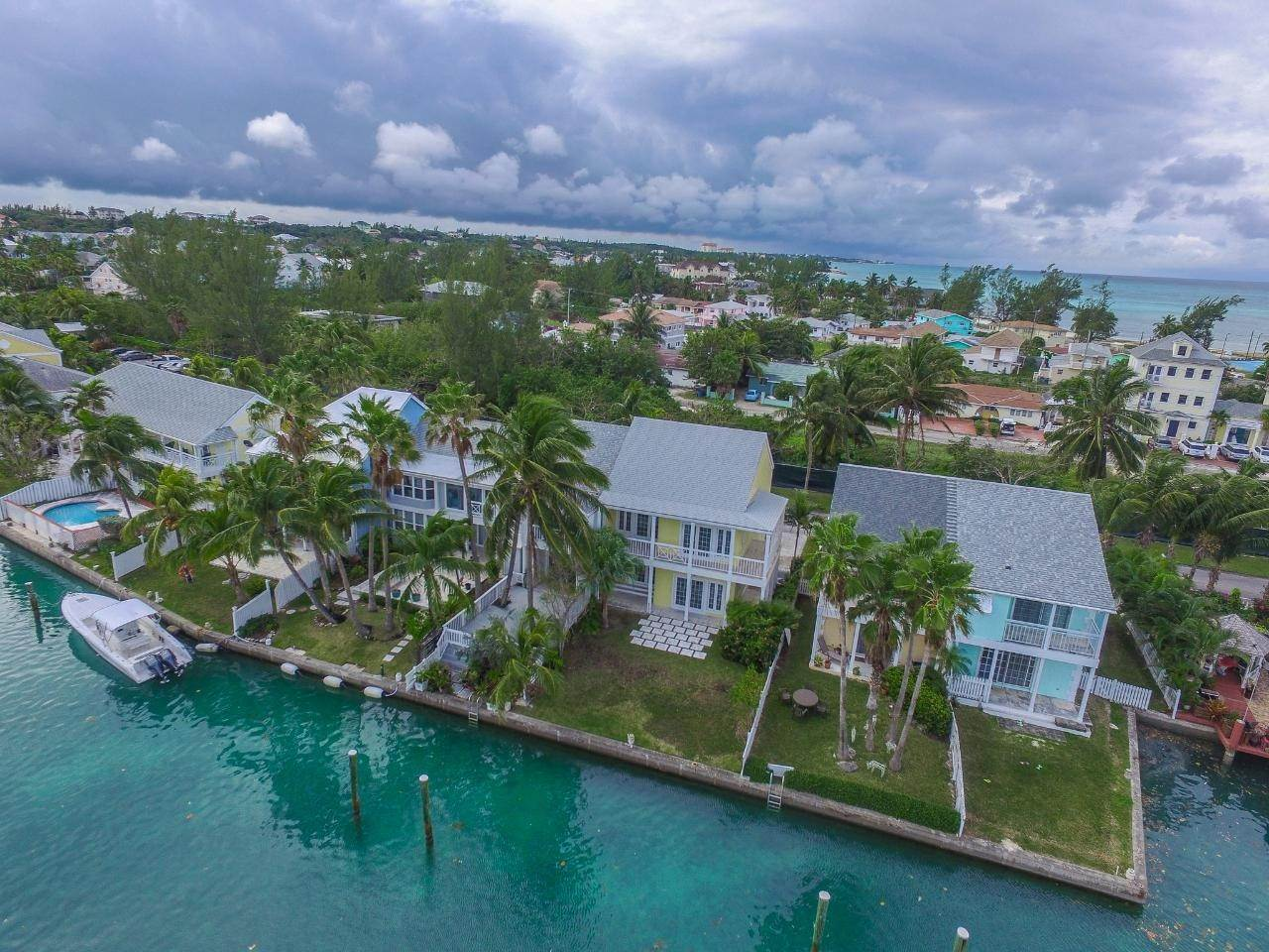 13. Single Family Homes for Rent at Sandyport, Cable Beach, Nassau And Paradise Island Bahamas