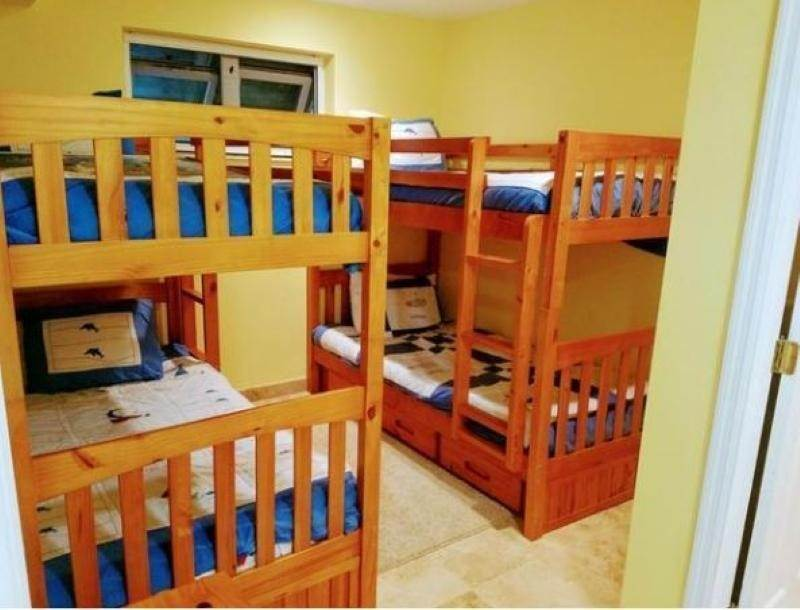 17. Single Family Homes for Rent at Fortune Beach, Freeport And Grand Bahama, Bahamas