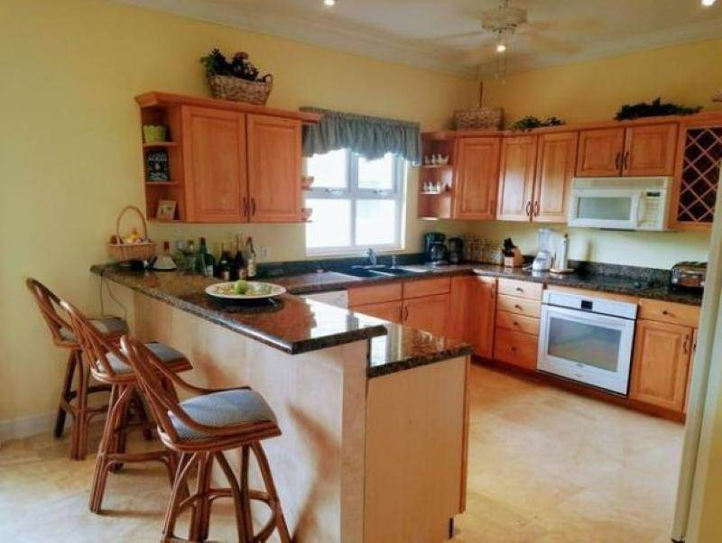 8. Single Family Homes for Rent at Fortune Beach, Freeport And Grand Bahama, Bahamas