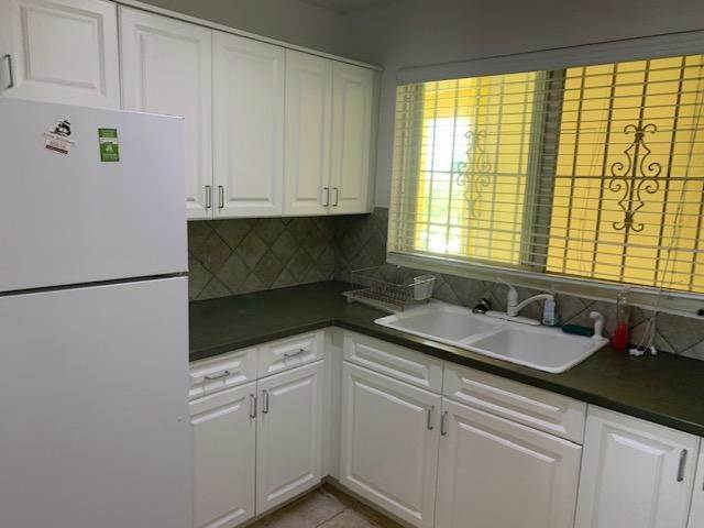9. Co-op / Condo for Rent at Carefree Carefree, Cable Beach, Nassau And Paradise Island Bahamas