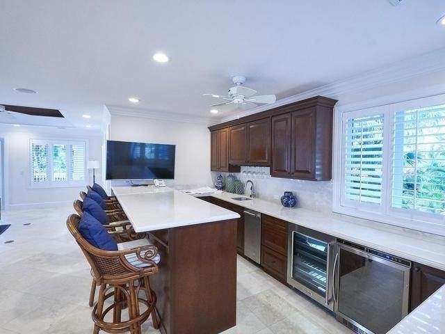 5. Single Family Homes for Rent at Poinciana House Lyford Cay, Nassau And Paradise Island, Bahamas