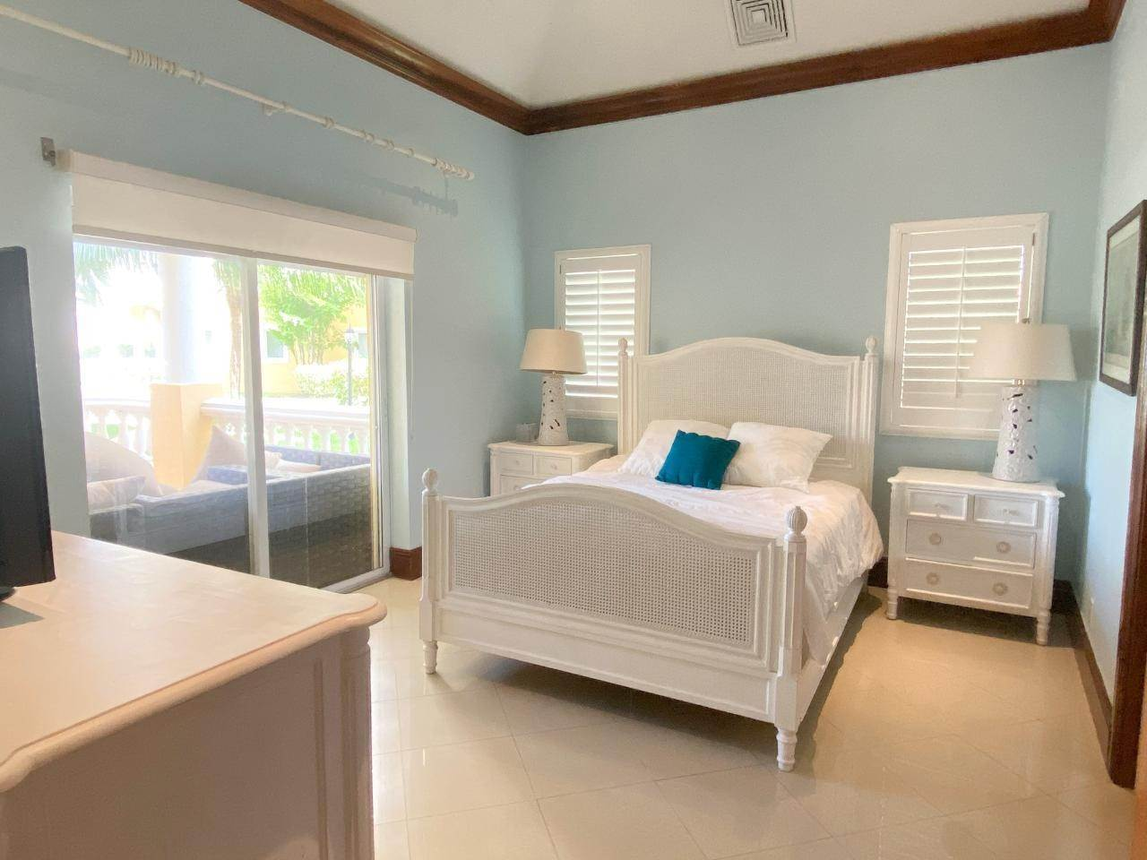 5. Co-op / Condo for Rent at Caves Heights, West Bay Street, Nassau And Paradise Island Bahamas