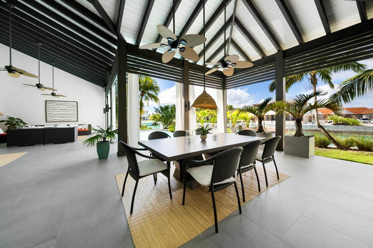 13. Single Family Homes for Sale at Old Fort Bay, Nassau And Paradise Island, Bahamas
