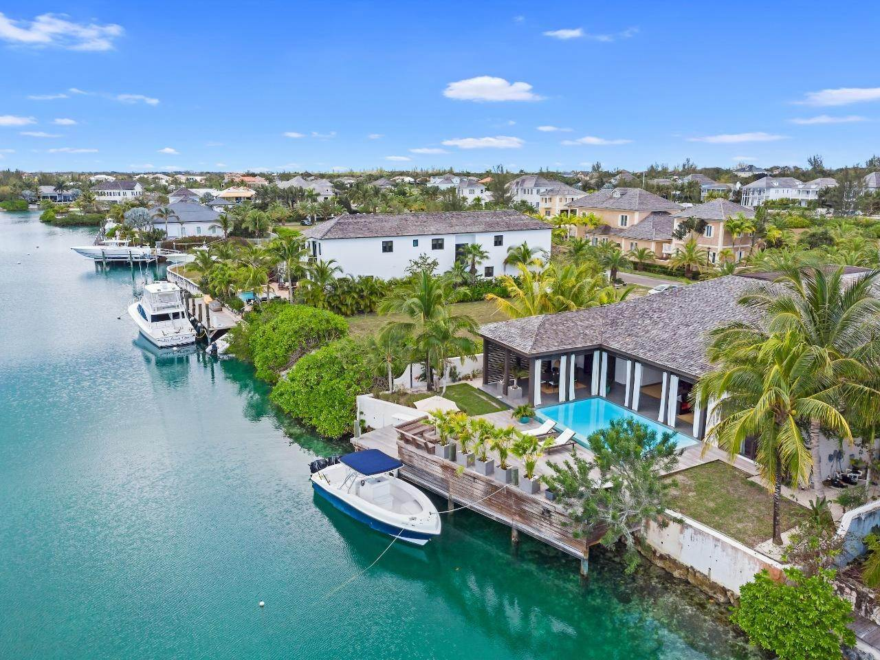 25. Single Family Homes for Sale at Old Fort Bay, Nassau And Paradise Island, Bahamas