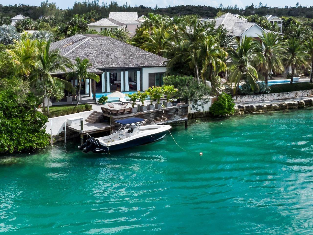 26. Single Family Homes for Sale at Old Fort Bay, Nassau And Paradise Island, Bahamas