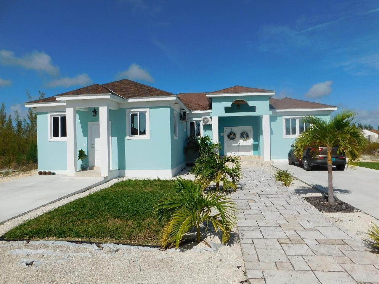 16. Multi Family for Sale at Duplex Coral Harbour, Nassau And Paradise Island, Bahamas