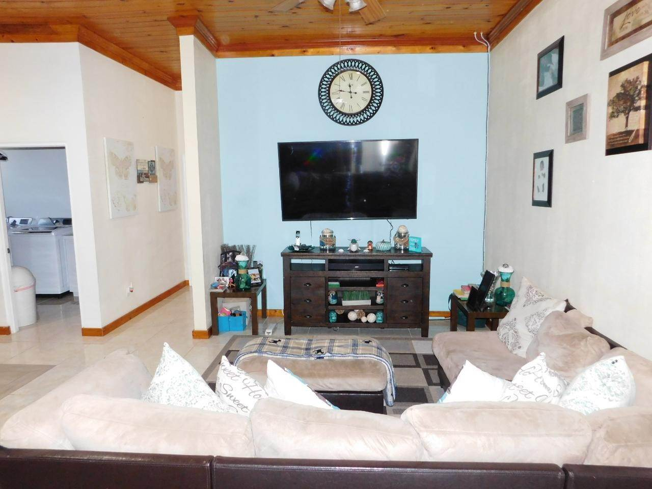 5. Multi Family for Sale at Duplex Coral Harbour, Nassau And Paradise Island, Bahamas