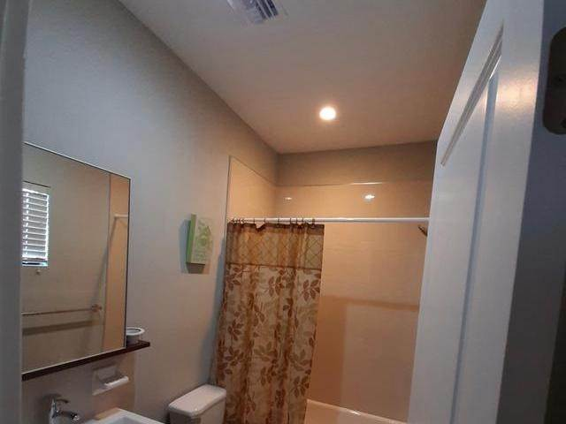 9. Co-op / Condo for Rent at Venetian West, Nassau And Paradise Island, Bahamas