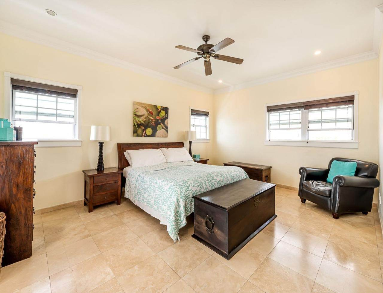 4. Single Family Homes por un Alquiler en Sandyport, Cable Beach, Nueva Providencia / Nassau Bahamas