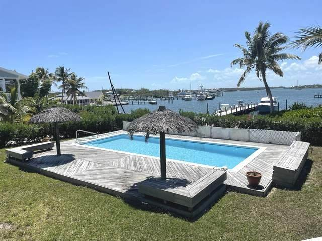 2. Single Family Homes for Sale at Green Turtle Cay, Abaco, Bahamas