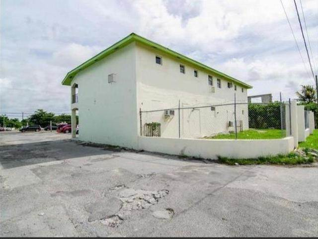 2. Building for Rent at Carmichael Road, Nassau And Paradise Island, Bahamas