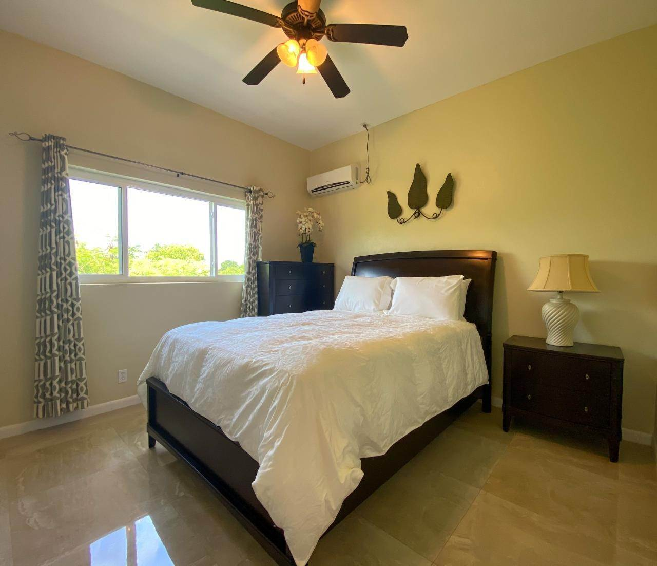 3. Multi Family for Rent at VENICE BAY 1-BEDROOM Bacardi Road, Nassau And Paradise Island, Bahamas