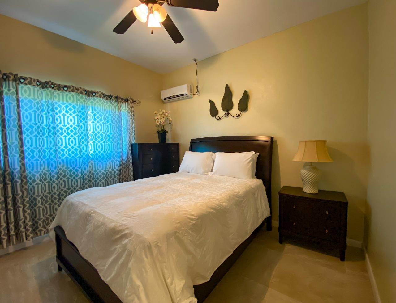 4. Multi Family for Rent at VENICE BAY 1-BEDROOM Bacardi Road, Nassau And Paradise Island, Bahamas