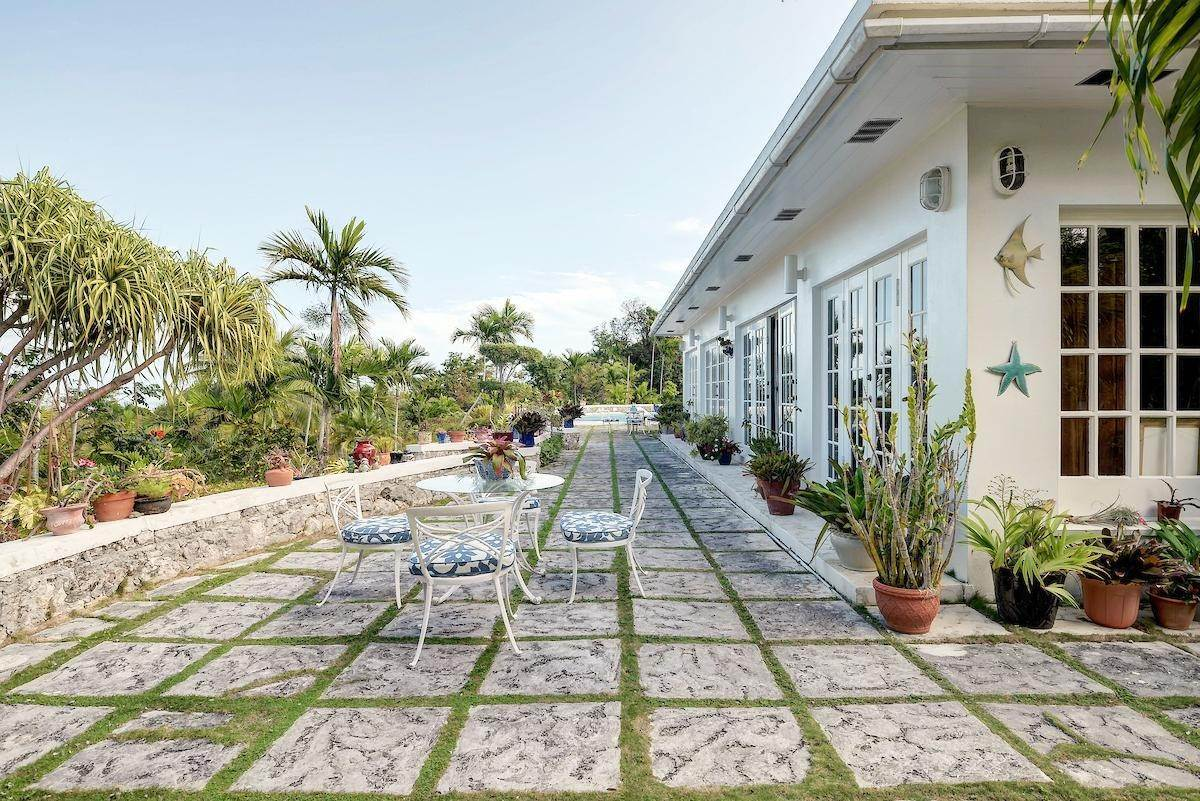 30. Single Family Homes for Sale at Eastern Road, Nassau And Paradise Island, Bahamas